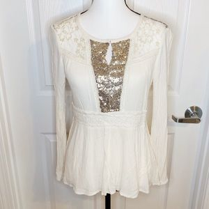 Miss Me Flare Keyhole Sequin Blouse F26